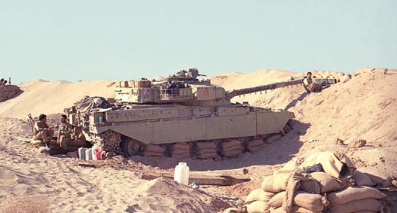 Окопанный иранский танк Чифтейн МК2